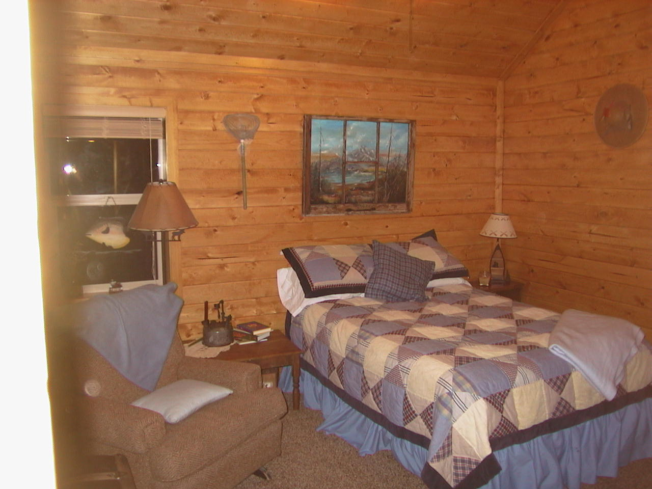 Island park cabin rental upstairs bedroom